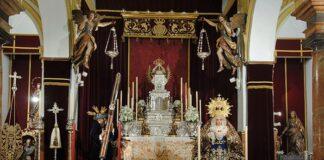 Altar para la celebración de los cultos de la Semana Santa de 2021